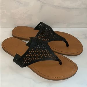 Black Merona Slip On Sandals Size 6